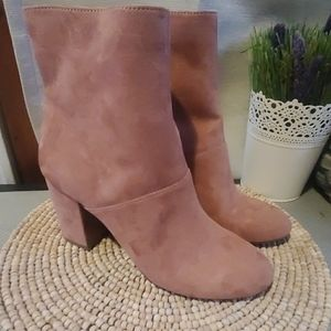 American Eagle brushed faux suede pink booties